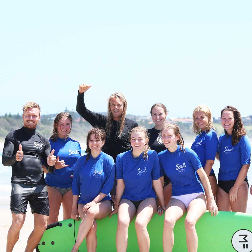 kids surf lessons byron bay