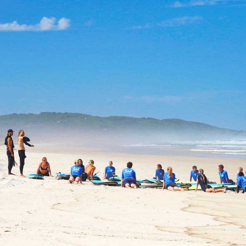 group surf lesson byron bay